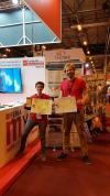 Lara Vilar y Vicente Burchard (IEGD) divulgan sobre teledetección en la Feria Madrid por la Ciencia